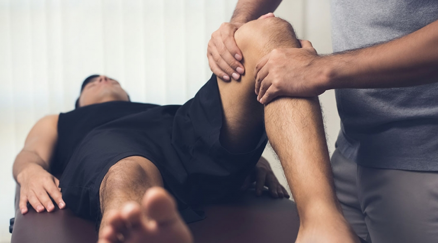 Sports massage therapy and deep tissue massage